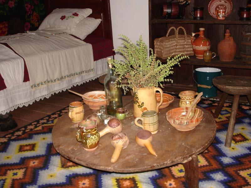 Masa olteneasca in casa la Nea Marin