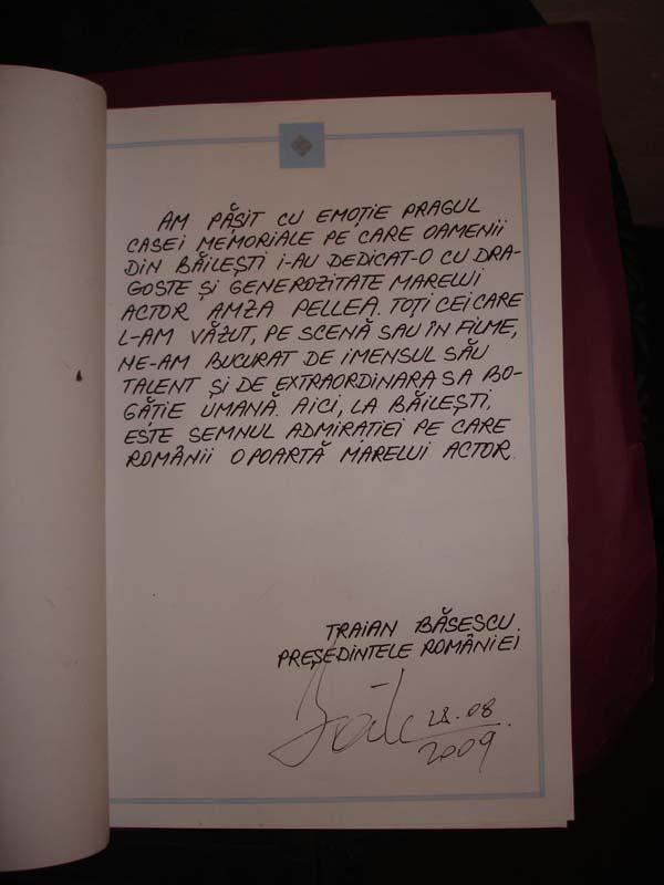 Mesaj Traian Basescu in Cartea de Onoare
