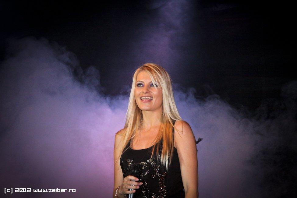 dj-rynno-sylvia-bailesti-2012-04