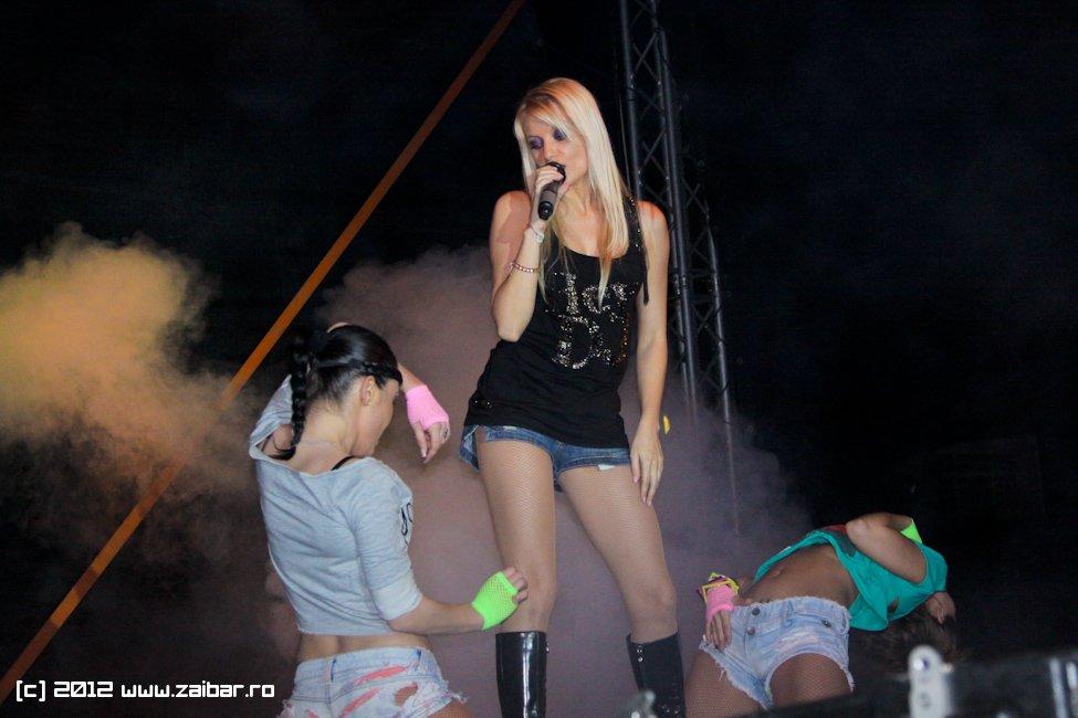dj-rynno-sylvia-bailesti-2012-06