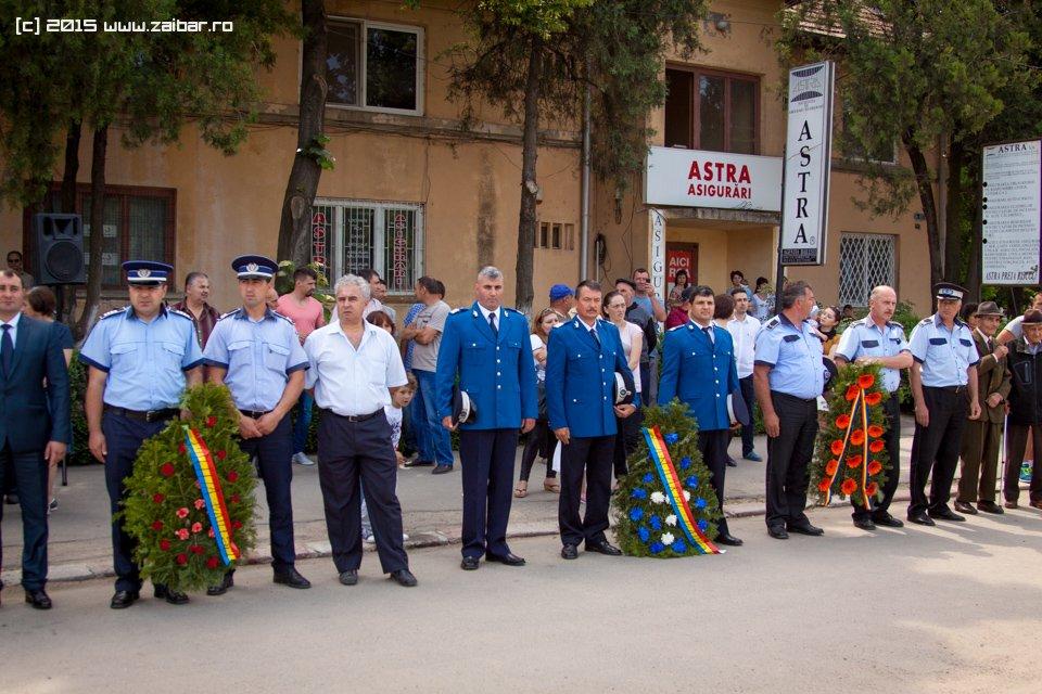 inaltare-ziua-eroilor-bailesti-2015-015.jpg