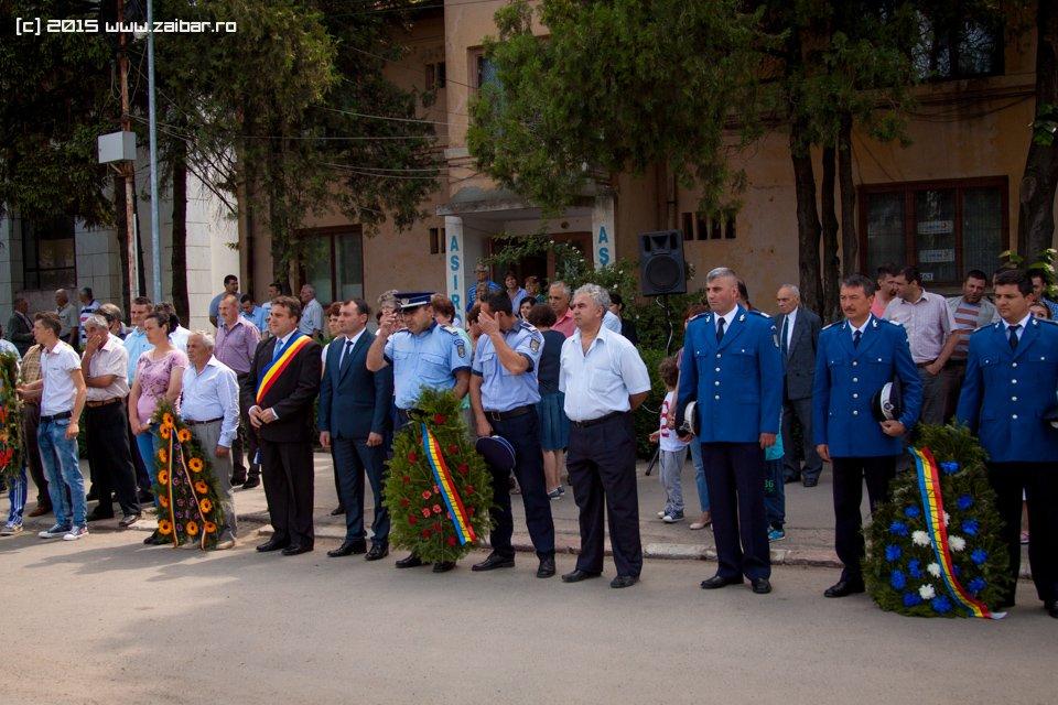 inaltare-ziua-eroilor-bailesti-2015-017.jpg