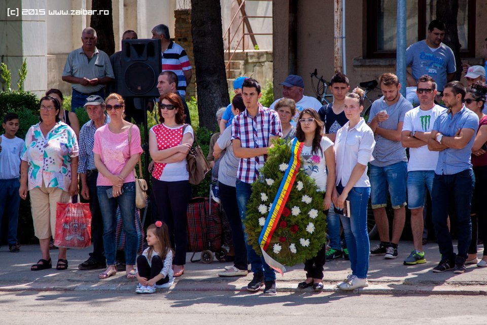 inaltare-ziua-eroilor-bailesti-2015-035.jpg