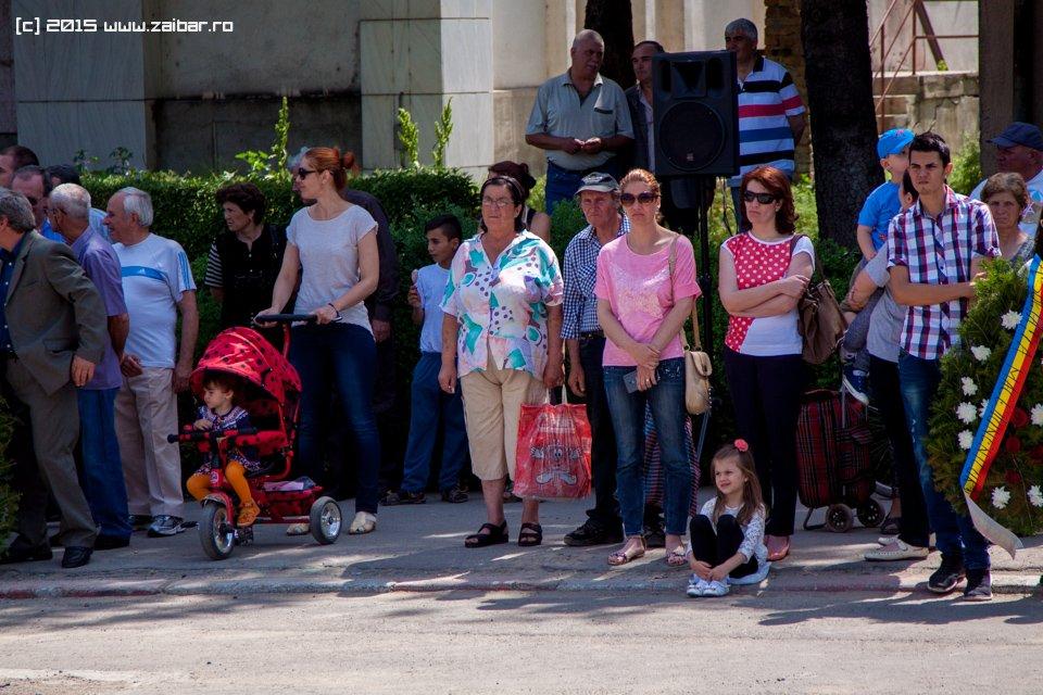 inaltare-ziua-eroilor-bailesti-2015-036.jpg