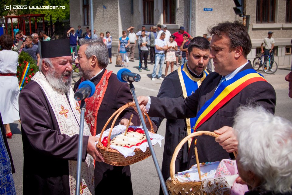 inaltare-ziua-eroilor-bailesti-2015-039.jpg