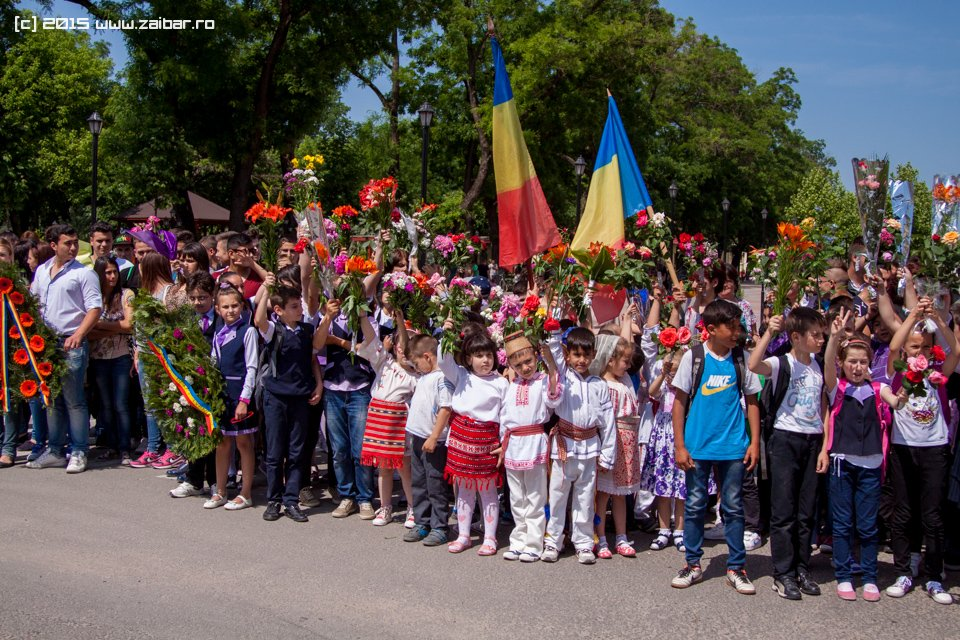 inaltare-ziua-eroilor-bailesti-2015-040.jpg