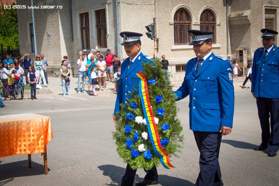 inaltare-ziua-eroilor-bailesti-2015-047.jpg