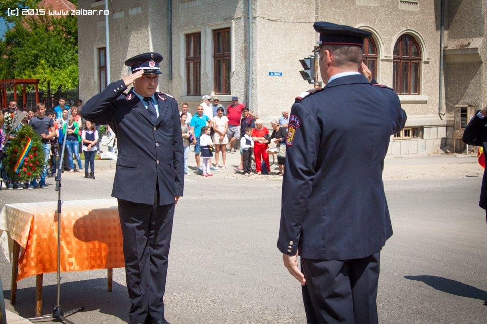 inaltare-ziua-eroilor-bailesti-2015-048.jpg