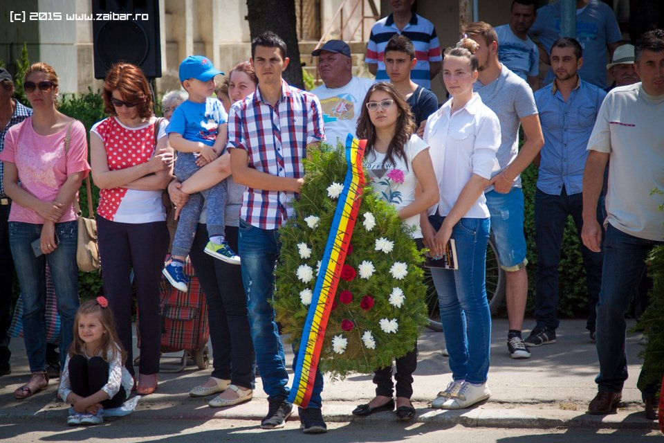 inaltare-ziua-eroilor-bailesti-2015-049.jpg