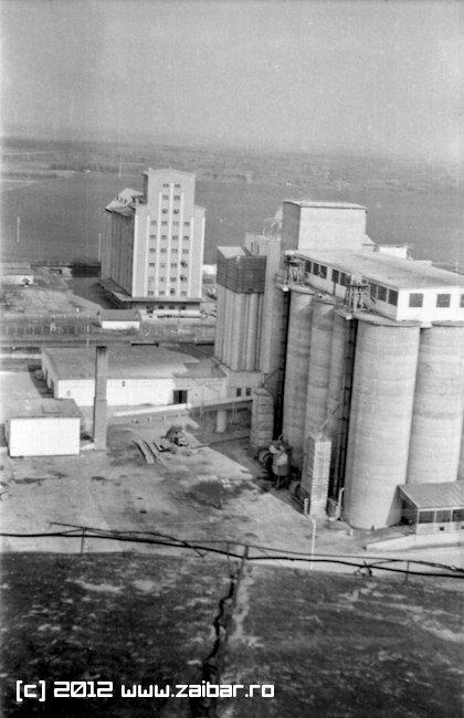retro-bailesti-1976-castelul-apa-10
