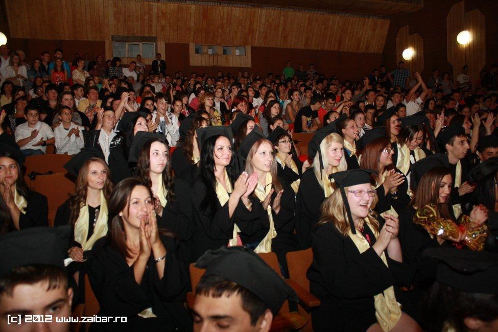 seara-absolventului-30-mai-2012-lmv-034
