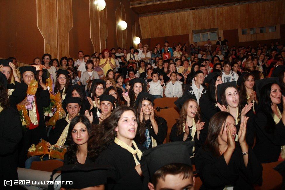 seara-absolventului-30-mai-2012-lmv-036