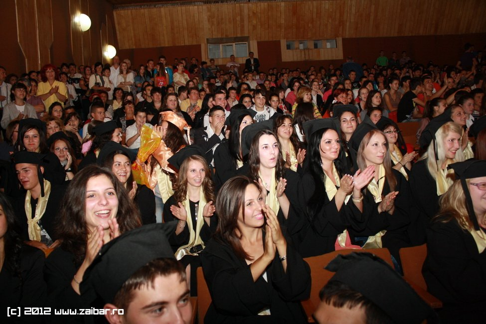 seara-absolventului-30-mai-2012-lmv-041