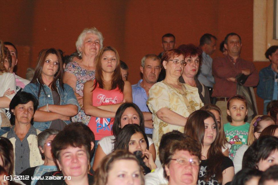 seara-absolventului-30-mai-2012-lmv-085