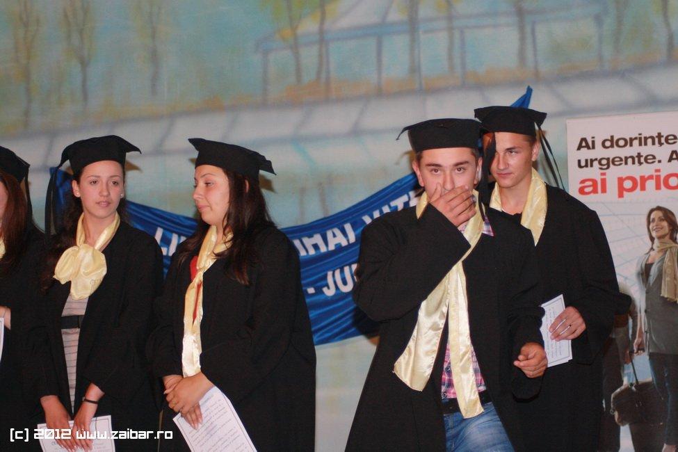 seara-absolventului-30-mai-2012-lmv-357