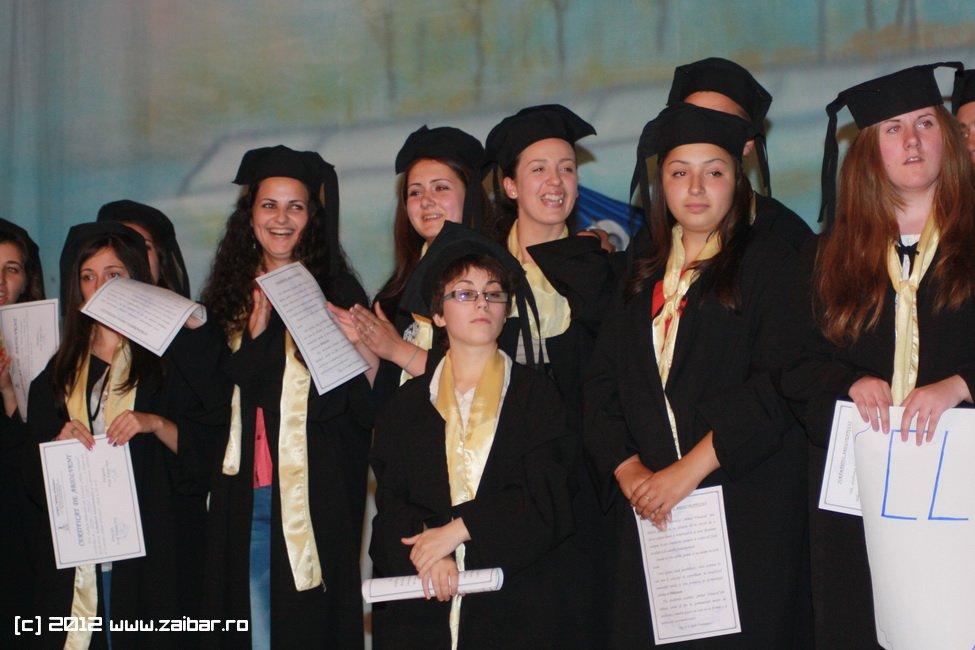 seara-absolventului-30-mai-2012-lmv-398