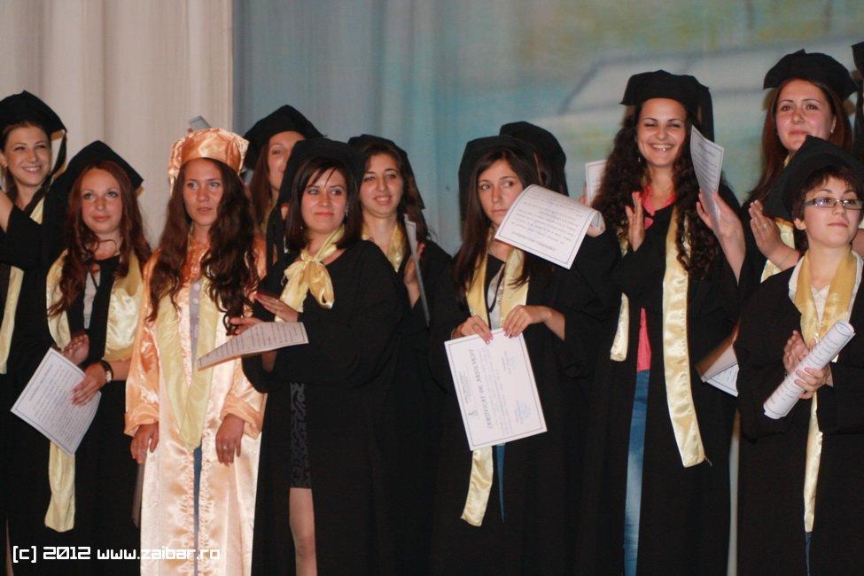 seara-absolventului-30-mai-2012-lmv-400