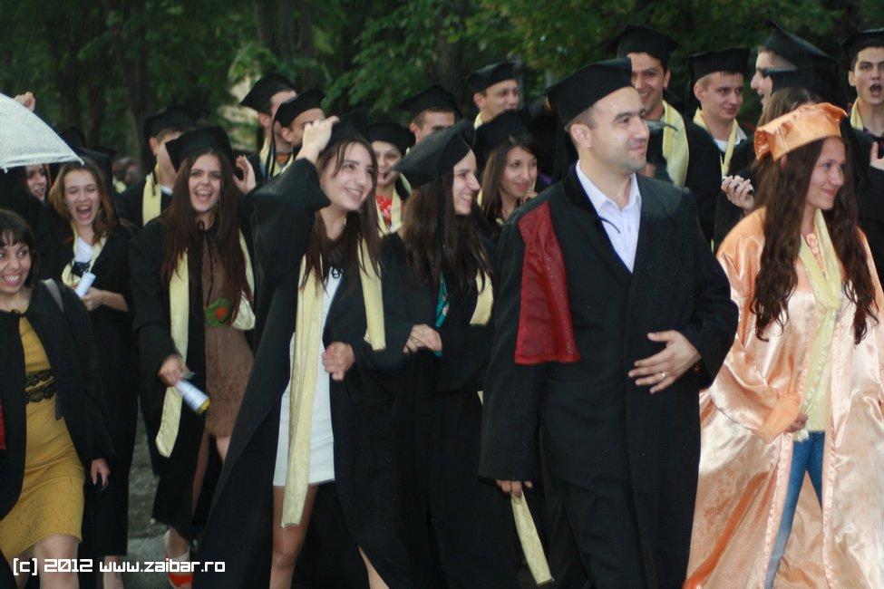 seara-absolventului-30-mai-2012-lmv-530