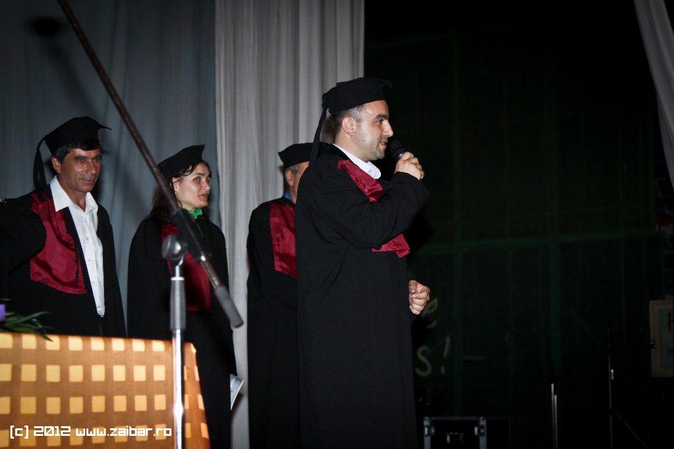 seara-absolventuli-lmv-2012-001