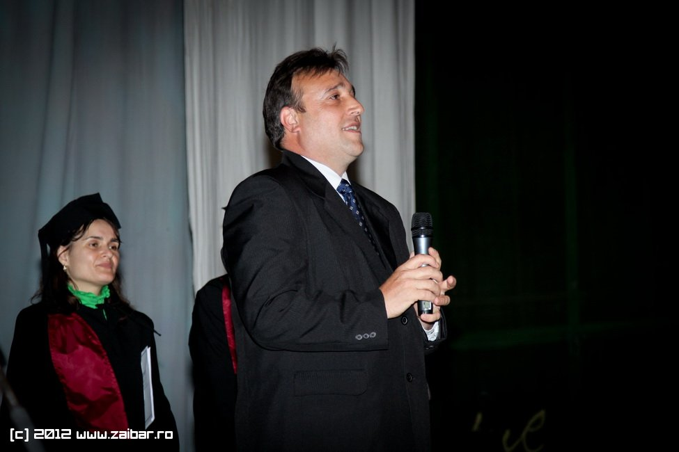 seara-absolventuli-lmv-2012-003