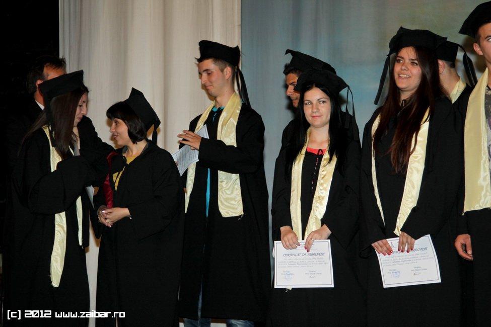 seara-absolventuli-lmv-2012-012