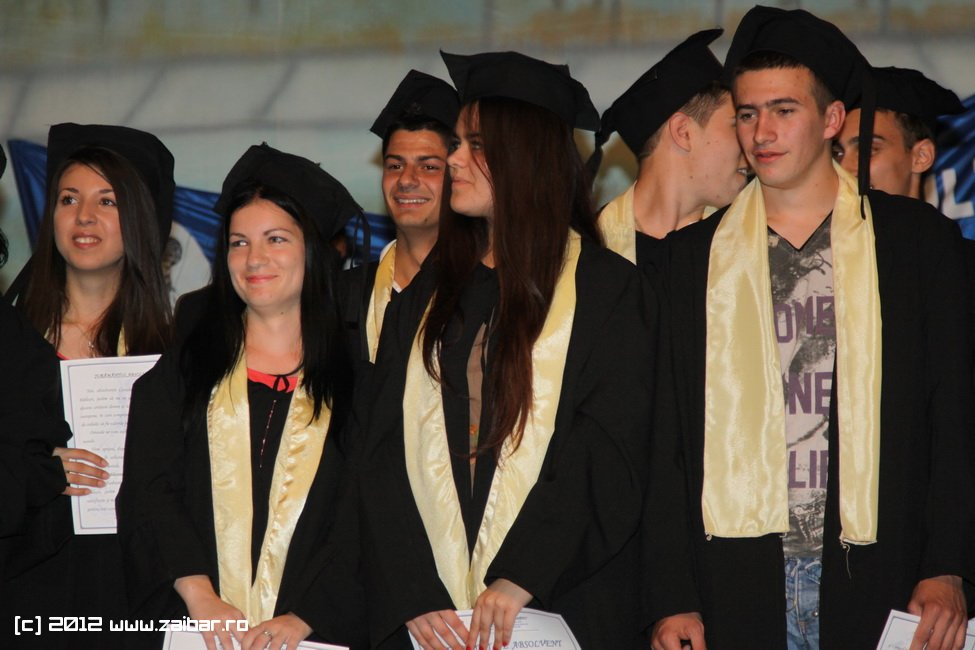 seara-absolventuli-lmv-2012-018