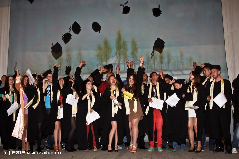 seara-absolventuli-lmv-2012-025