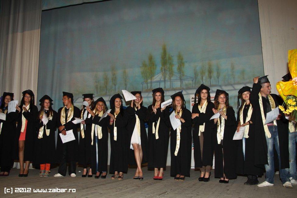 seara-absolventuli-lmv-2012-038