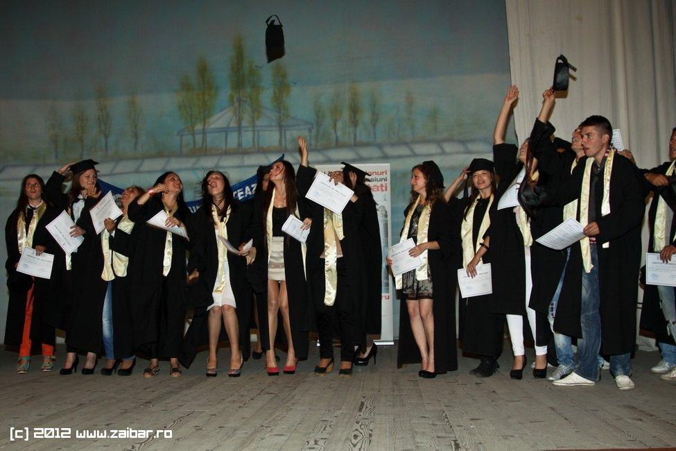 seara-absolventuli-lmv-2012-041