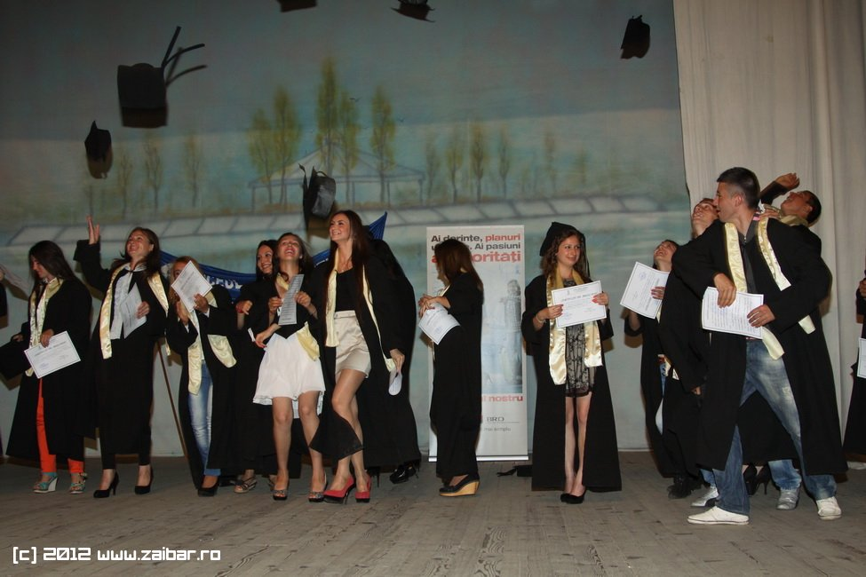 seara-absolventuli-lmv-2012-042