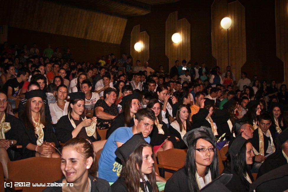 seara-absolventuli-lmv-2012-052