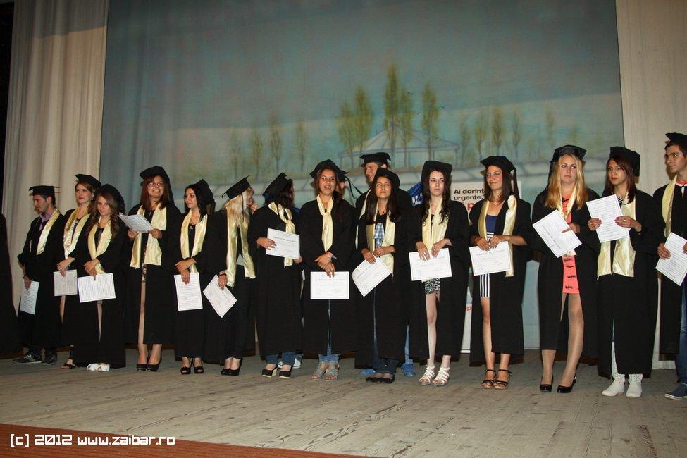 seara-absolventuli-lmv-2012-054
