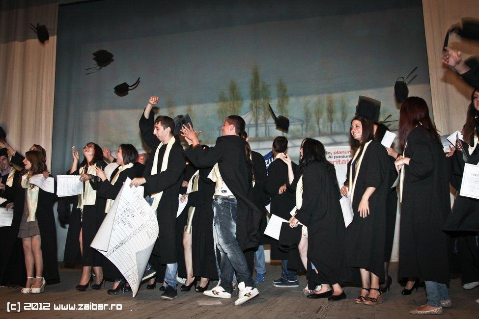 seara-absolventuli-lmv-2012-059