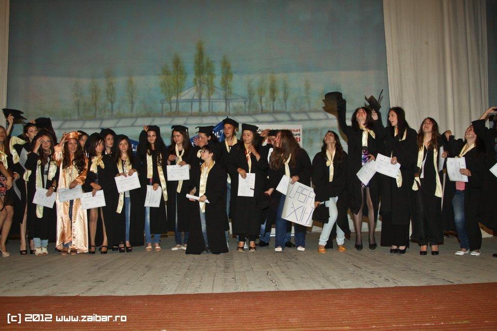 seara-absolventuli-lmv-2012-070