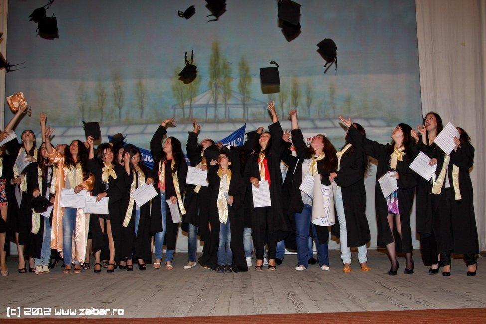 seara-absolventuli-lmv-2012-071