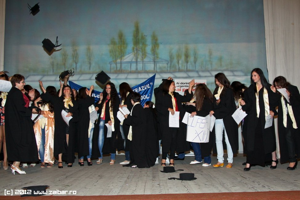 seara-absolventuli-lmv-2012-072