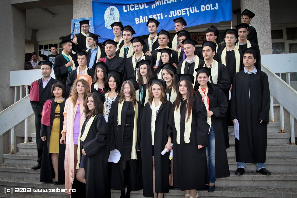 seara-absolventuli-lmv-2012-079