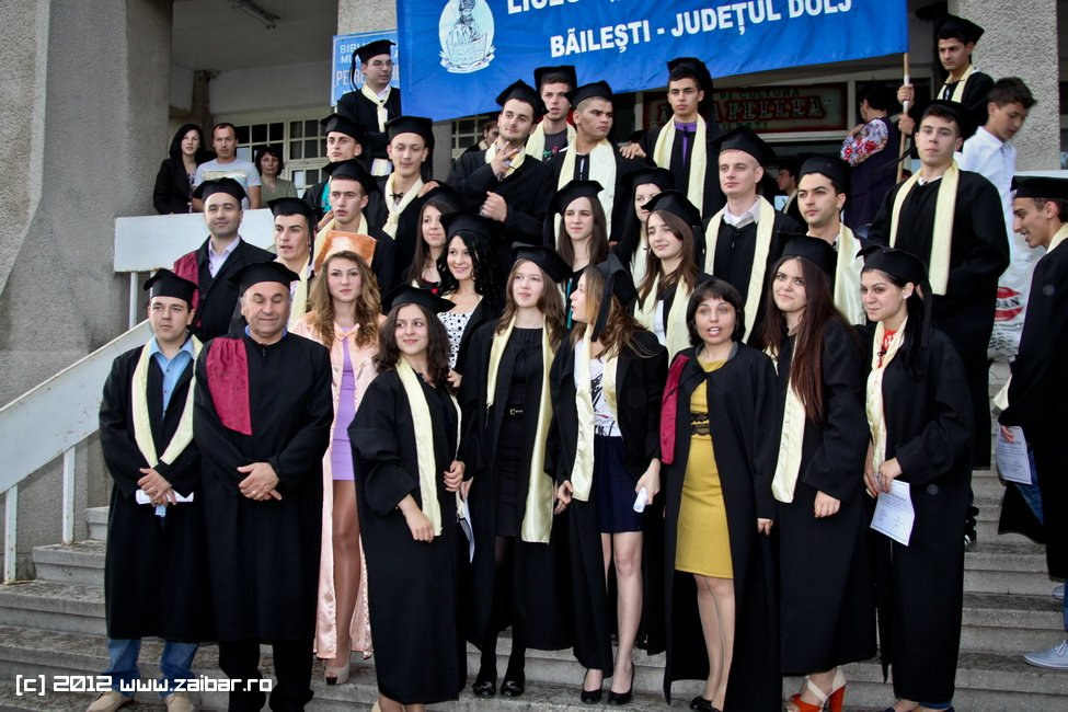 seara-absolventuli-lmv-2012-083