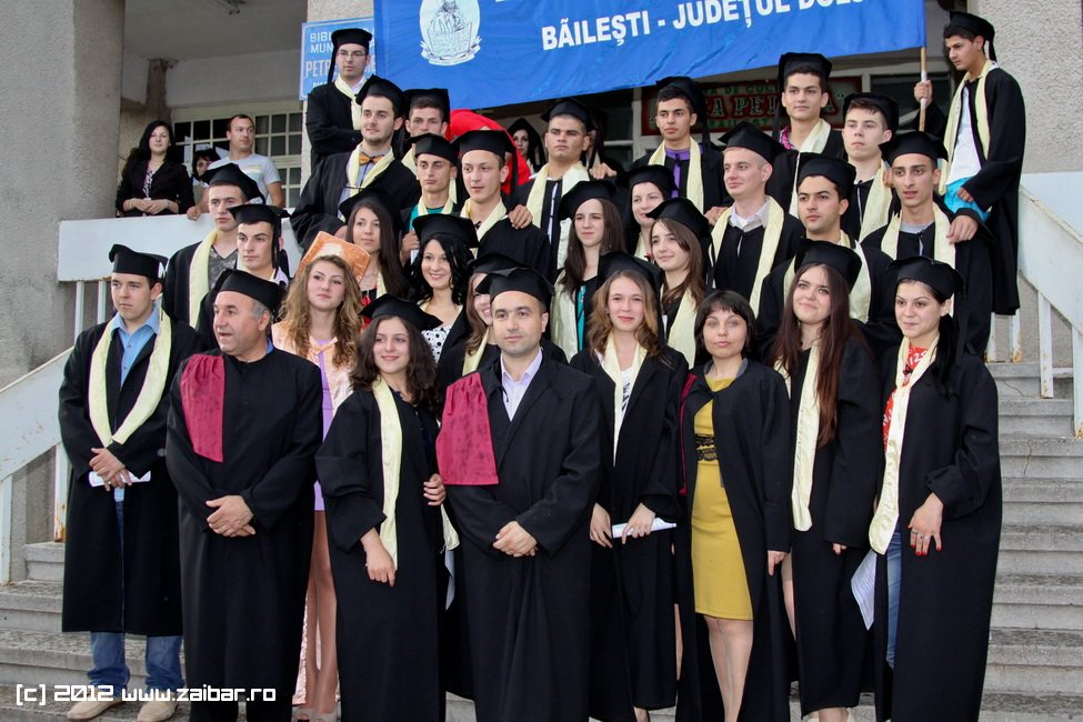 seara-absolventuli-lmv-2012-084