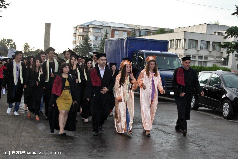 seara-absolventuli-lmv-2012-091