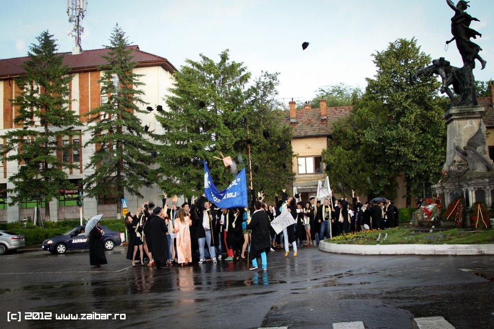 seara-absolventuli-lmv-2012-101
