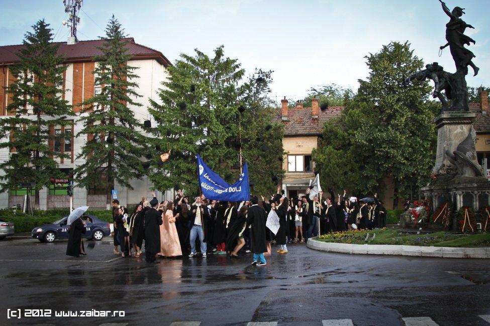 seara-absolventuli-lmv-2012-102