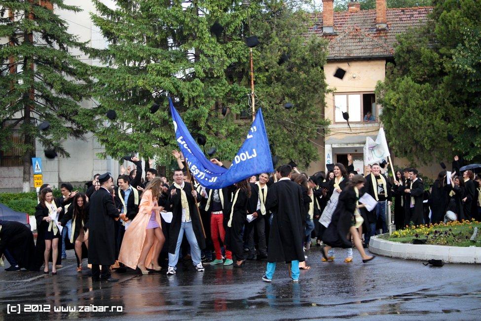 seara-absolventuli-lmv-2012-103