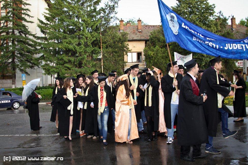 seara-absolventuli-lmv-2012-105