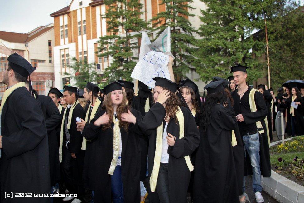 seara-absolventuli-lmv-2012-109