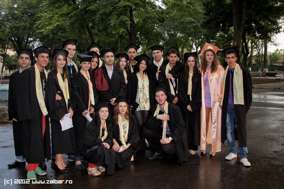seara-absolventuli-lmv-2012-111
