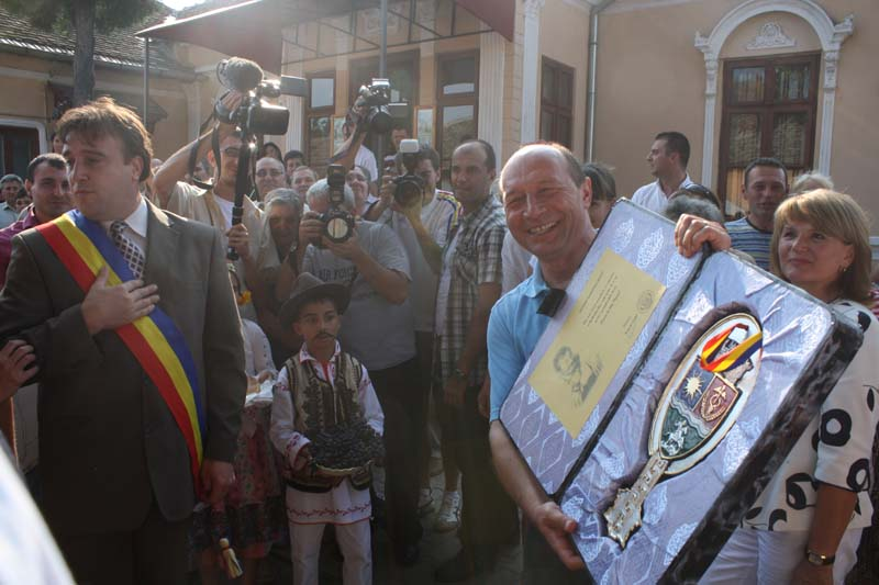Basescu primeste cheia orasului