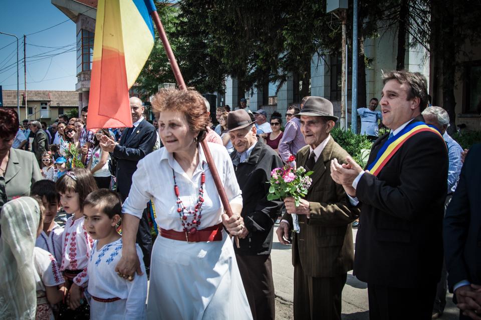 inaltare-ziua-eroilor-bailesti-2015-065.jpg